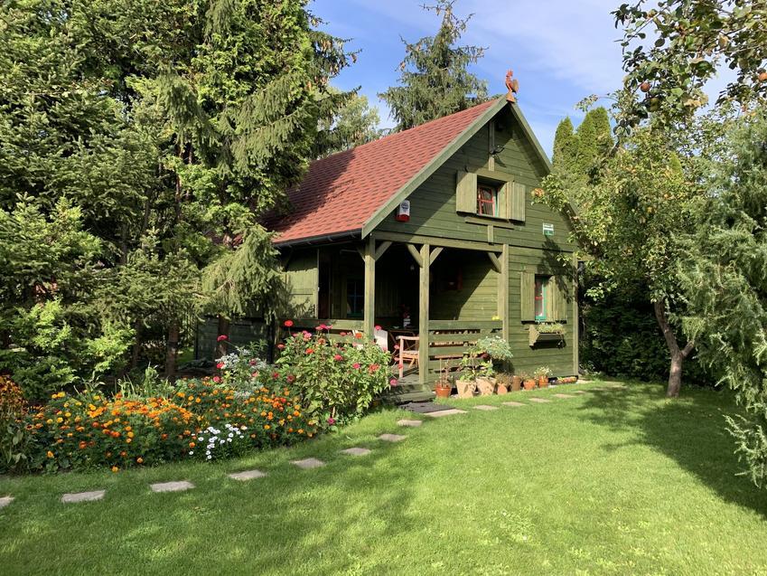 Piętrowe domki letniskowe z drewna - rozwiązanie dla większych rodzin