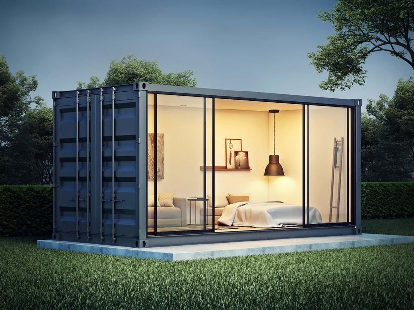Kontener mieszkalny oświetlony w środku, od czego zależą koszty baraku mieszkalnego, czy barak mieszkalny można kupić z wyposażeniem