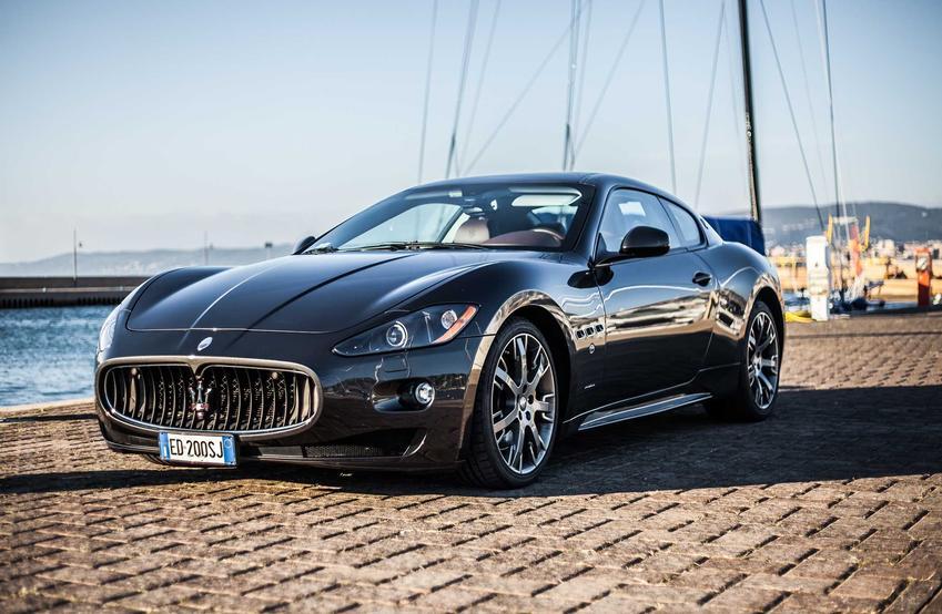 Maserati na nadbrzeżu, a także ile kosztuje Maserati i koszt niektórych modeli tej marki