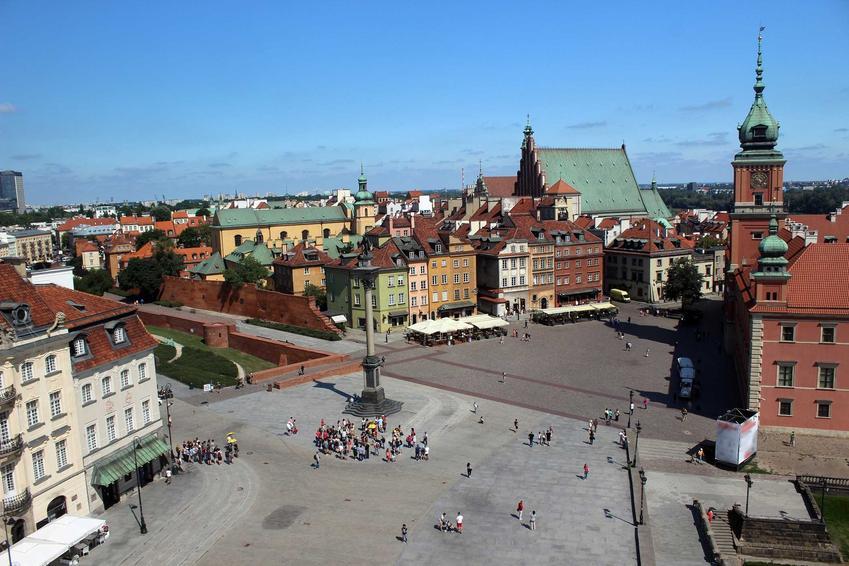 Widok na zamek w Warszawie z tarasu widokowego, a także cennik tarasów widokowych w polskich miastach