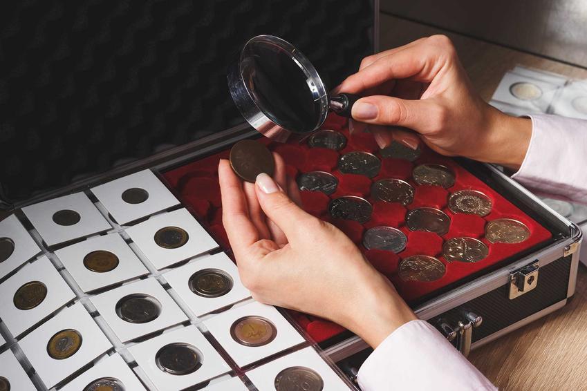 Przeglądanie monet kolekcjonerskich, a także najdroższe polskie monety, czyli ile kosztują stare polskie monety kolekcjonerskie