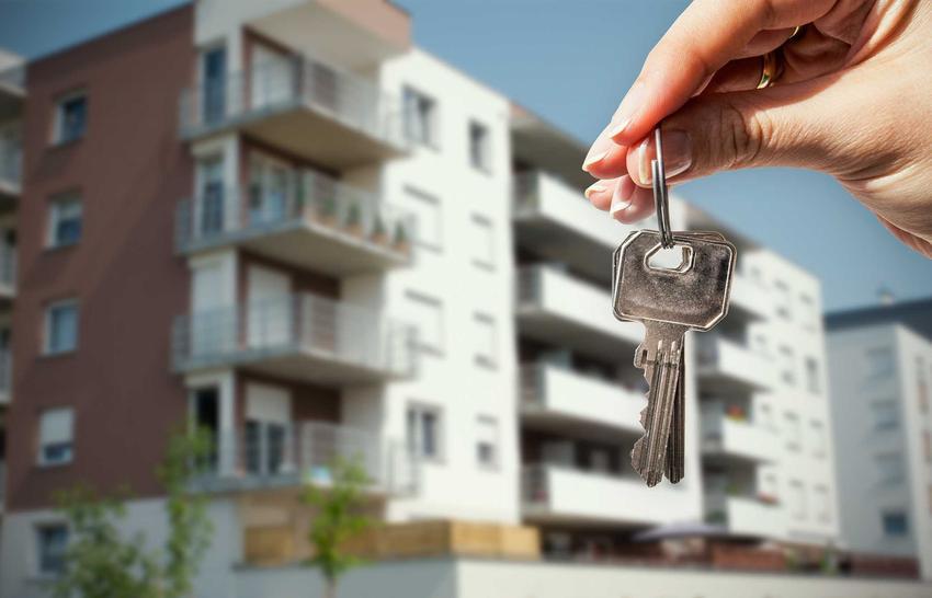Sprzedaż mieszkania obciążonego kredytem nie jest łatwa, jednak można to zrobić. Należy tylko załatwić mnóstwo formalności i pokryć dużą część kosztów.