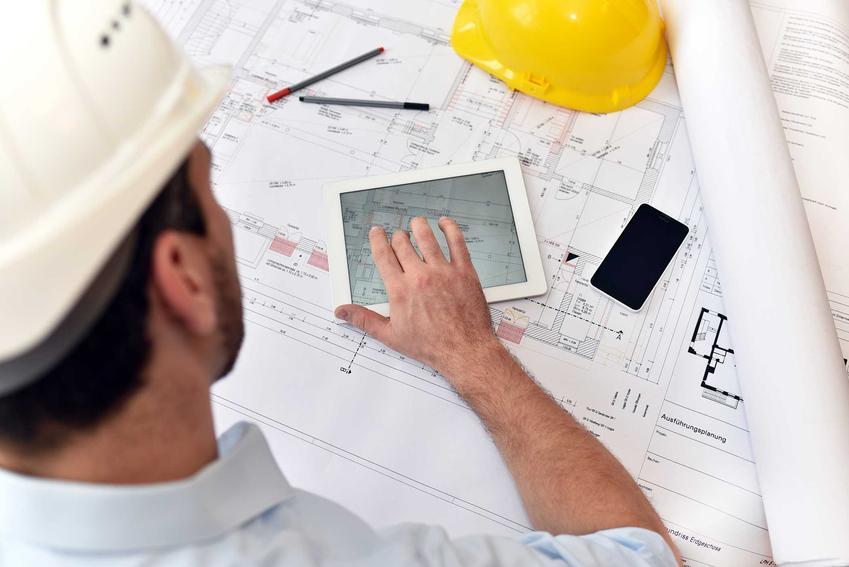 Budownictwo to kierunek politechniczny, który jest bardzo wymagający pod wieloma względami. Studenci uczą się wykonywać konstrukcje, zajmują się także rozwiązaniami i projektami architektonicznymi.