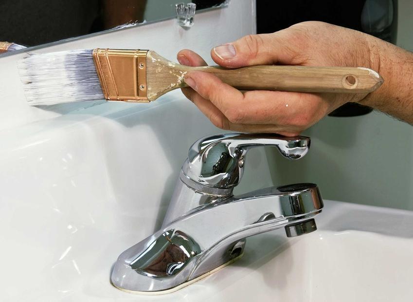 Farba Dekoral Maleniak to farba lateksowa, którą stosuje się w łazience lub w kuchni, odporna na wodę.