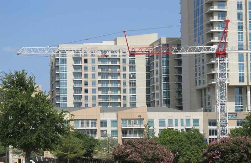 Mieszkanie deweloperskie, a także ile deweloper zarabia na budowie i przygotowaniu mieszkania oraz inwestycji w różnych miejscach
