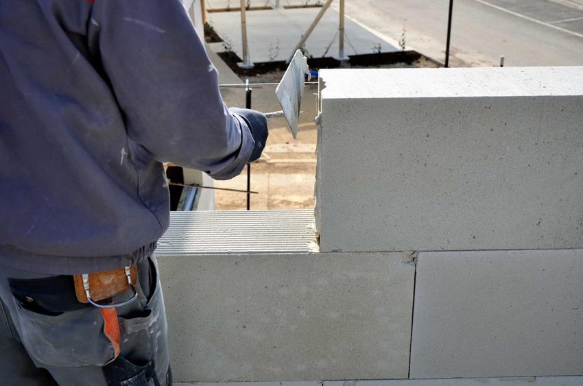 Bloczki gazobetonowe bardzo dobrze się sprawdzają na budowie. Mają bardzo wiele zastosowań, są wytrzymałe i ciepłe.