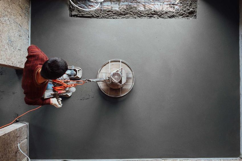 Do betonu wodoszczelnego można dodawać różne dodatki, które znacznie poprawiają jakość i trwałość betonu. Ma bardzo duże zastosowanie.