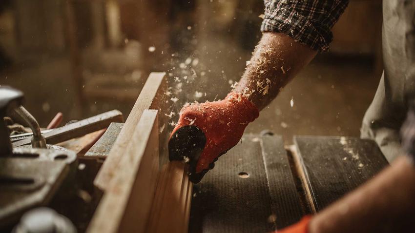 Łuparka do drewna do użytku domowego to świetne rozwiązanie. Niektóre modele mają naprawdę dobre opinie i niezłe ceny.