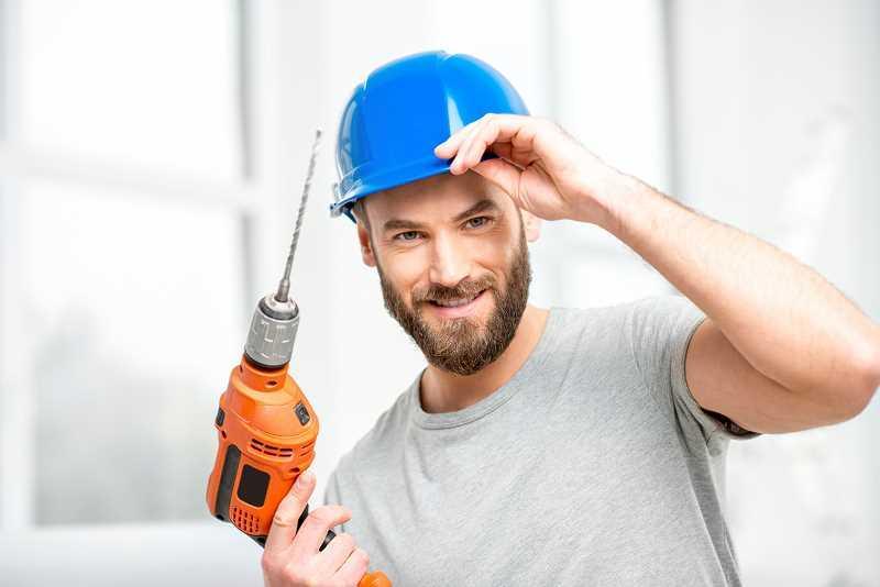 Mężczyzna, który przewiercił przewód elektryczny, a także co zrobić, gdy jest przewiercony przewód elektryczny