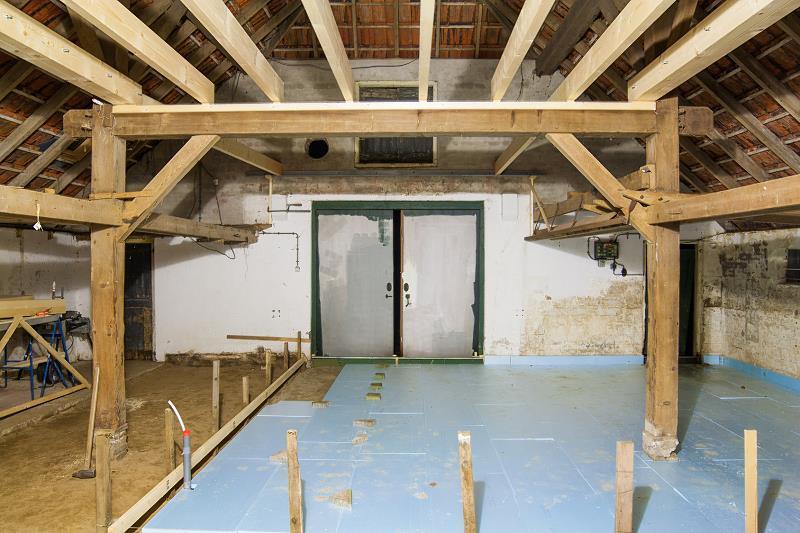 Styropian podłogowy do izolacji domu, a także ceny, rozwiazania, układanie, klejenie, najlepsi producenci