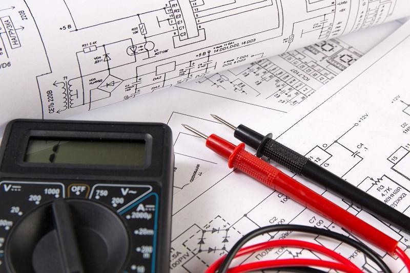 Najważniejsze symbole elektryczne - warto to wiedzieć przed zabraniem się za jej naprawę i zakładanie punktów w instalacji