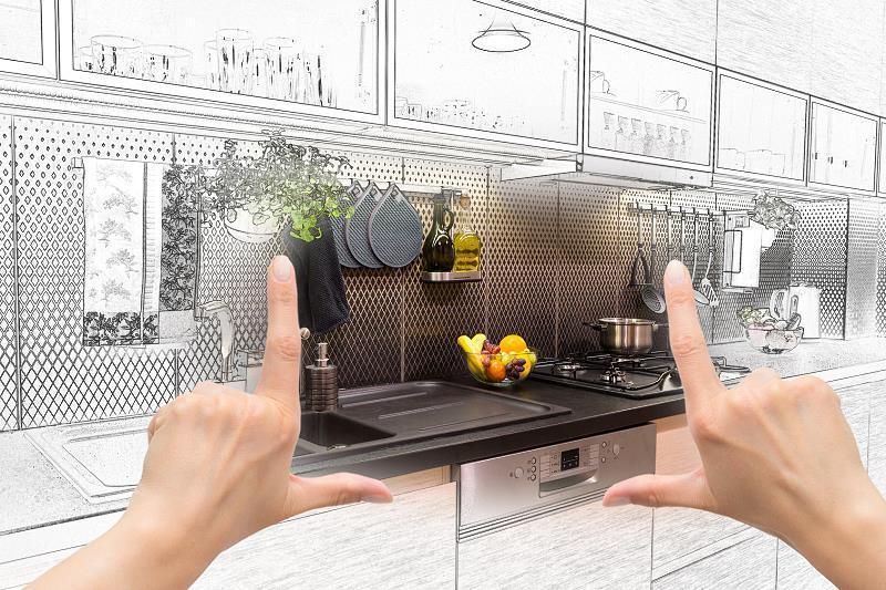 Szkło do kuchni to bardzo modne rozwiązanie. Szklana ściana w kuchni lub zastosowanie szklanych płytek w kuchni świetnie się sprawdza.