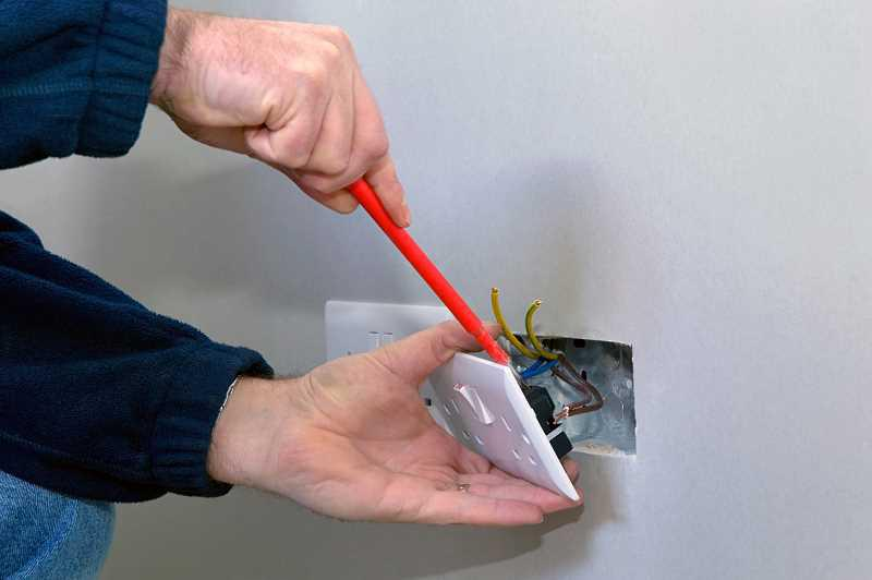 Koszt ułożenia instalacji elektrycznej w domu jednorodzinnym - podliczamy ceny