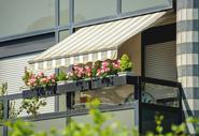 Markizy tarasowe i balkonowe - rodzaje, opinie, ceny