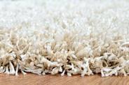 Włochaty dywan z długim włosiem – 5 najciekawszych dywanów na rynku