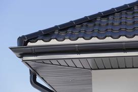 Montaż podbitki dachowej – krok po kroku