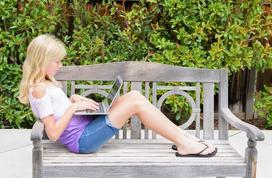Jak zrobić ławkę ogrodową z drewna krok po kroku?