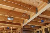 Belki stropowe - rodzaje, ceny, porównanie technologii
