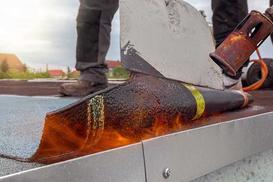 Izolacja dachu płaskiego - przeciwwodna i termiczna - jaki materiał wybrać?
