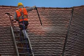 Mycie dachów - cennik 2021 prac w różnych miastach w Polsce