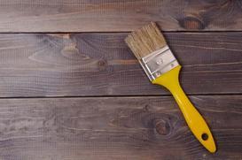 Farba wodna do drewna – ceny, opinie, sposób zastosowania na meblach