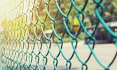 Cena siatki ogrodzeniowej - sprawdzamy, ile kosztują materiały na ogrodzenie