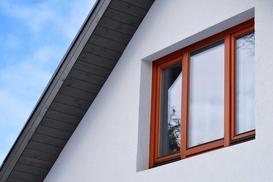 Jakie okna drewniane wybrać – najlepsi producenci okien w Polsce