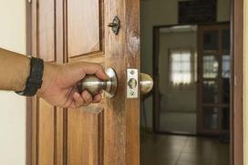 Regulacja drzwi zewnętrznych krok po kroku