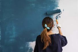 Czy można pomalować tapetę? Jakie farby do tapet sprawdzą się najlepiej?