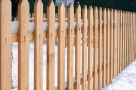 Płoty drewniane jako ogrodzenie posesji - czy sprawdzą się w praktyce?