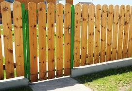 Drewniana palisada ogrodowa - rodzaje, ceny,  montaż, opinie, porady