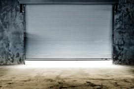 Garaż z płyt betonowych - formalności, budowa krok po kroku, ceny, rodzaje, porady