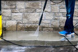 Pielęgnacja betonu krok po kroku - zobacz, jak pielęgnować beton na różnych etapach