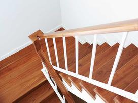 Schody drewniane - jaka cena za schody dębowe, bukowe i inne