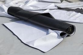 Folia dachowa – rodzaje membran, ceny, opinie, zalety, wady, porady przy wyborze