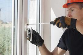 Jak samodzielnie uszczelnić okna? Jakie uszczelki do okien wybrać?