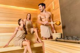 Co daje sauna? Właściwości zdrowotne, wskazania, przeciwwskazania, zalety