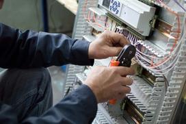Szafa elektryczna - zastosowanie, rodzaje, wiodący producenci, ceny, porady przy zakupie