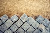 Układanie kostki granitowej - porady, instrukcje krok po kroku