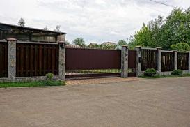 Ogrodzenia drewniane - koszty budowy, rodzaje, gatunki drewna