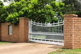 Ogrodzenia murowane – rodzaje, ceny, opinie, budowa krok po kroku