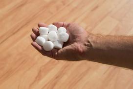 Sól do uzdatniania wody - rodzaje, marki, opinie, ceny, porady