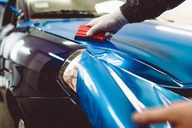 Cennik oklejania samochodów folią 2021 - sprawdź ceny w Twoim mieście