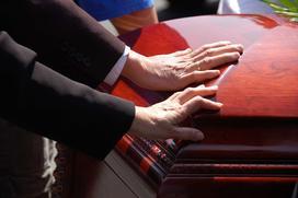 Jakie są koszty pogrzebu w 2021? Cennik usług pogrzebowych w Polsce
