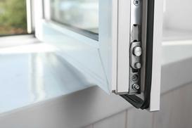 Okucia okienne - rodzaje, ceny, opinie, producenci, na co zwrócić uwagę?