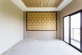 Tapeta lub fototapeta na sufit - pomysły, ciekawe wzory, porady aranżacyjne