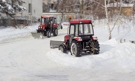 Kompaktowy ciągnik rolniczy - maszyna przydatna zimą