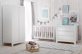 W jaki sposób zaaranżować pokój dla niemowlaka, aby zapewnić mu wygodę?