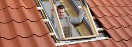 Montaż okien dachowych w łazience na poddaszu