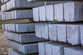 Słupy betonowe - rodzaje, ceny, opinie, porady praktyczne
